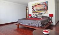 Bedroom with Wooden Floor - Villa Blanca - Candidasa, Bali