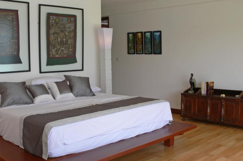 Bedroom with Lamp - Villa Blanca - Candidasa, Bali