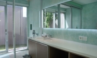Bathroom with Mirror - Villa Blue Lagoon - Uluwatu, Bali