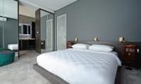 Bedroom and Bathroom - Villa Blue Lagoon - Uluwatu, Bali
