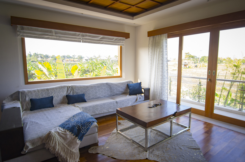 Lounge Area with Outdoor View - Villa Breeze - Canggu , Bali