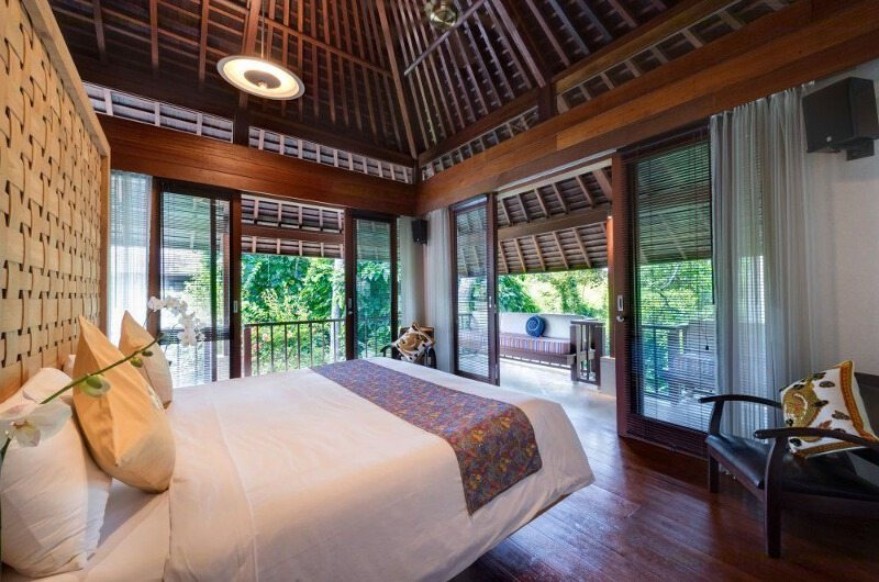 Bedroom and Balcony - Villa Bunga Pangi - Canggu, Bali