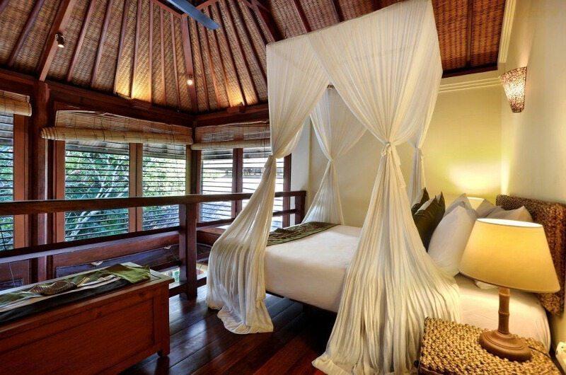 Bedroom with Mosquito Net - Villa Bunga Wangi - Canggu, Bali