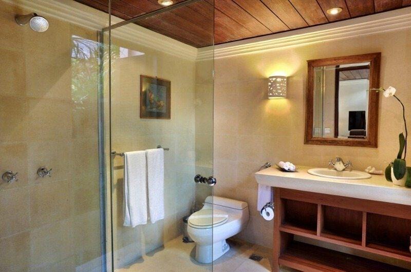 Bathroom with Shower - Villa Bunga Wangi - Canggu, Bali