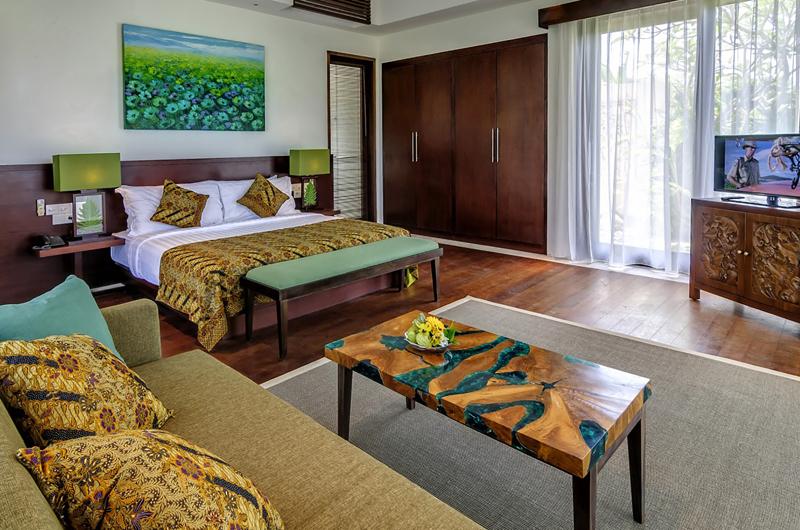 Bedroom with Sofa and TV - Villa Cantik Pandawa - Ungasan, Bali