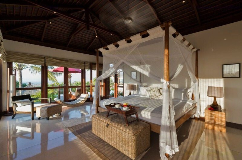 Bedroom with Seating Area - Villa Capung - Uluwatu, Bali