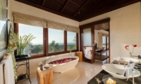 Bathroom with Bathtub - Villa Capung - Uluwatu, Bali