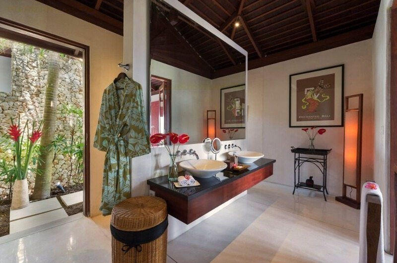 His and Hers Bathroom - Villa Capung - Uluwatu, Bali