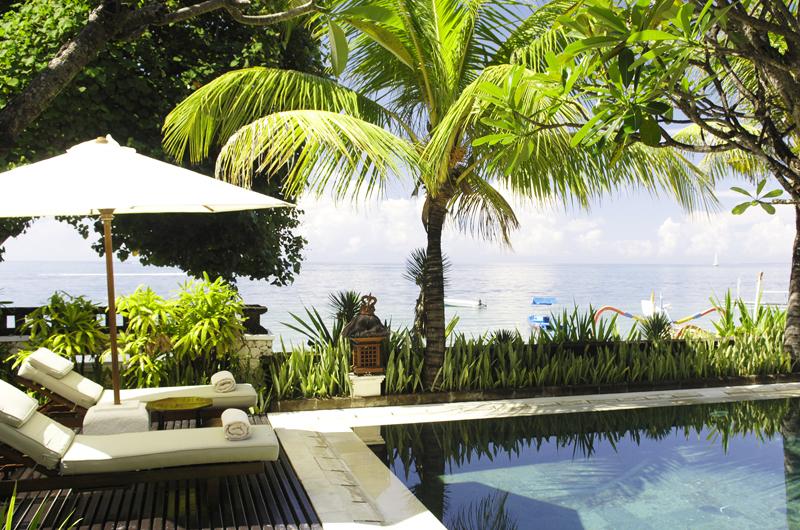 Sun Loungers - Villa Cemara Sanur - Sanur, Bali