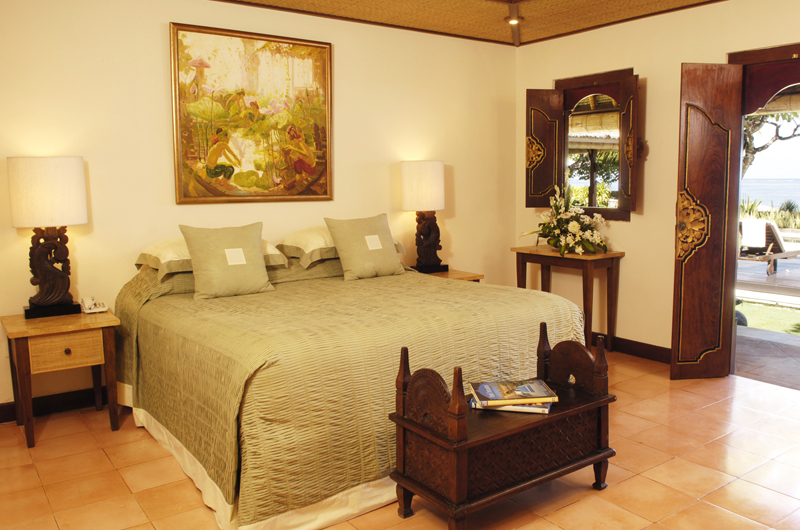 Bedroom with Table Lamps - Villa Cemara Sanur - Sanur, Bali