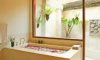 Bathtub with Petals - Villa Cemara Sanur - Sanur, Bali