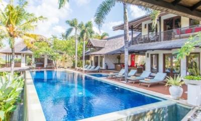 Sun Loungers - Villa Coraffan - Canggu, Bali