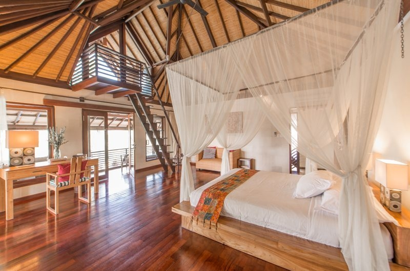 Four Poster Bed with Up Stairs - Villa Coraffan - Canggu, Bali