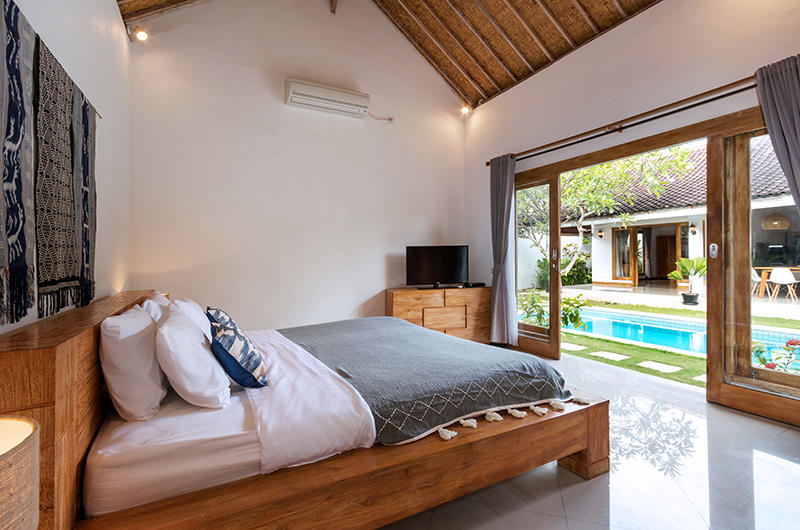 Bedroom with Pool View - Villa Crystal - Seminyak, Bali