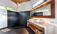 Bathroom with Mirror - Villa Crystal - Seminyak, Bali