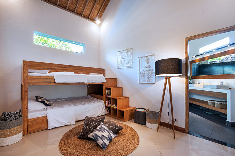 Bedroom with Bunk Beds - Villa Crystal - Seminyak, Bali
