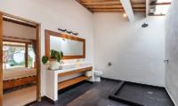 Bathroom with Shower - Villa Crystal - Seminyak, Bali