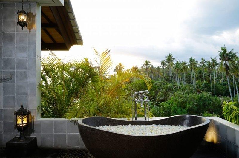 Outdoor Bathtub - Villa Delmara - Tabanan, Bali