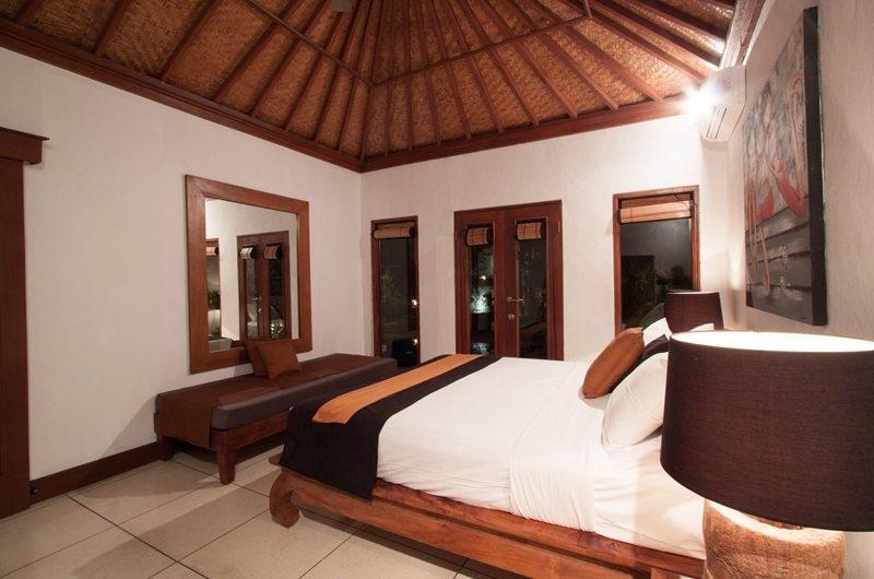 Bedroom with Mirror - Villa Dewata I - Seminyak, Bali