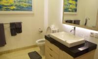 Bathroom with Mirror - Villa Dewata II - Seminyak, Bali