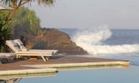 Sun Beds - Villa Driftwood - Nusa Lembongan, Bali