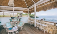 Beach Side Seating Area - Villa Driftwood - Nusa Lembongan, Bali