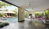 Living Area with Pool View - Villa Elok - Batubelig, Bali