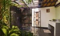 Bathroom with Shower - Villa Elok - Batubelig, Bali
