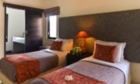 Twin Bedroom - Villa Elok - Batubelig, Bali