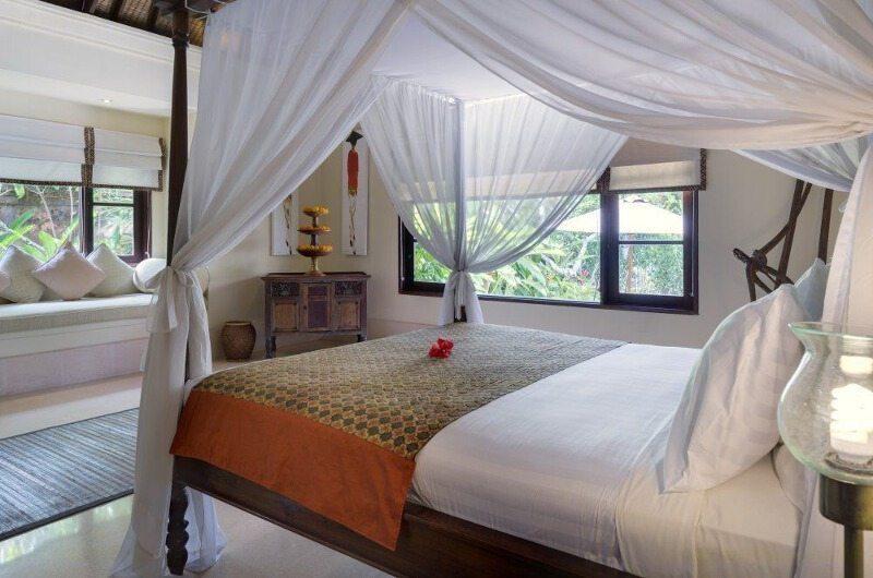 Bedroom with Seating Area - Villa Frangipani - Canggu, Bali