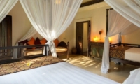 Twin Bedroom - Villa Frangipani - Canggu, Bali