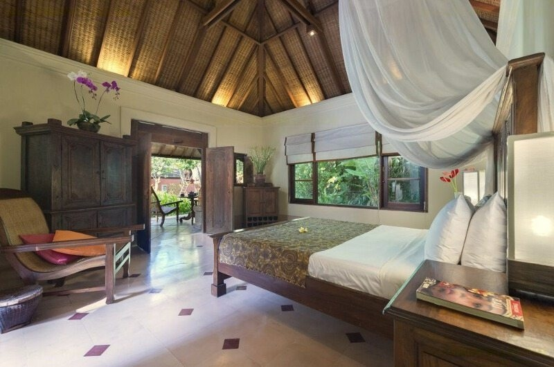 Bedroom with Seating Area - Villa Frangipani - Canggu, Bali