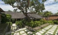 Gardens - Villa Frangipani - Canggu, Bali