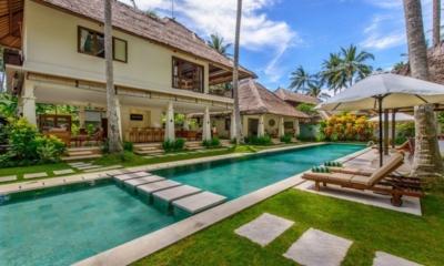 Pool Side Loungers - Villa Gils - Candidasa, Bali