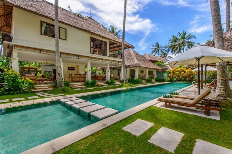 Pool Side Loungers - Villa Gils - Candidasa, Bali