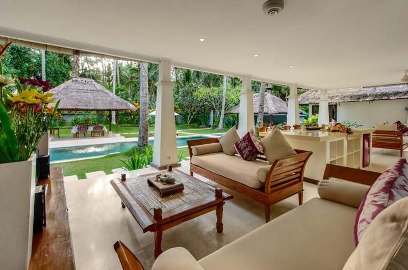Living Area with Pool View - Villa Gils - Candidasa, Bali