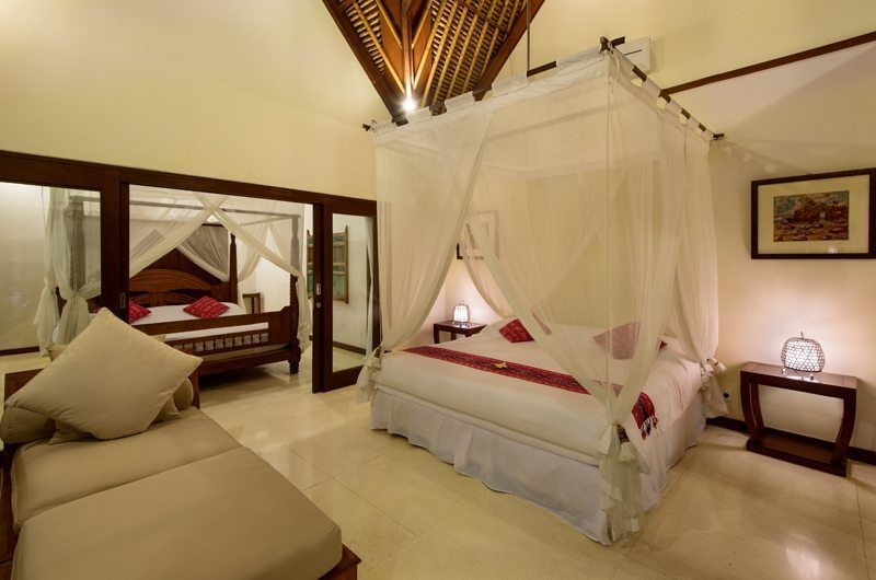 Bedroom with Seating Area - Villa Gils - Candidasa, Bali