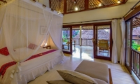 Bedroom with King Size Bed - Villa Gils - Candidasa, Bali