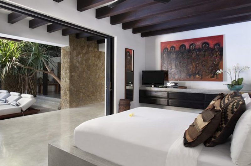 Bedroom with TV - Villa Hana - Canggu, Bali