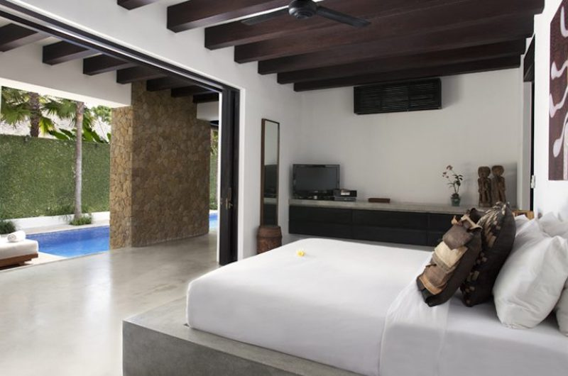 Bedroom with Pool View - Villa Hana - Canggu, Bali