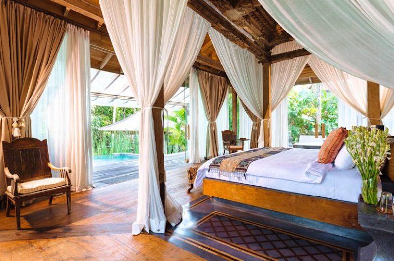 Spacious Bedroom with Pool View - Villa Hansa - Canggu, Bali