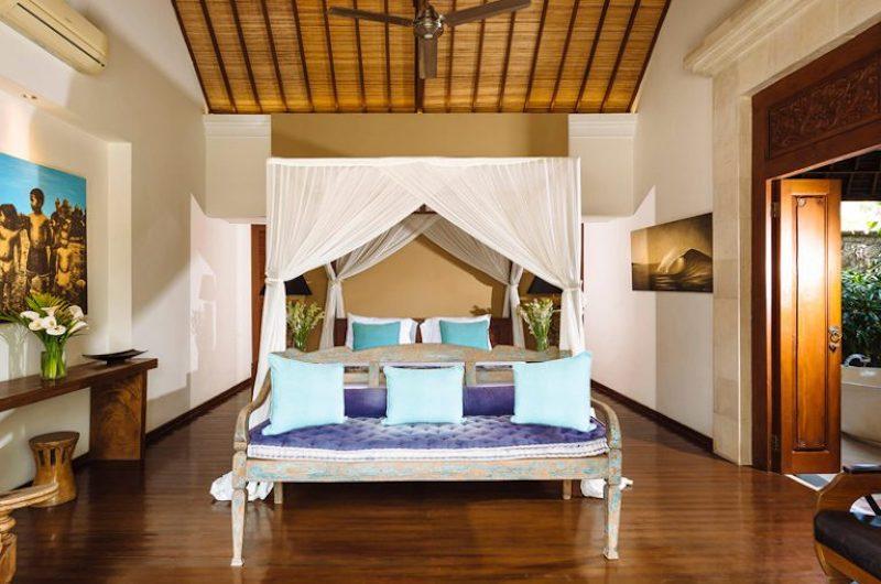 Bedroom and Bathroom - Villa Hansa - Canggu, Bali