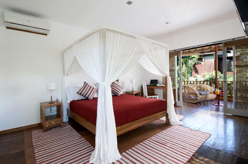 Bedroom and Balcony - Villa Hari - Seminyak, Bali