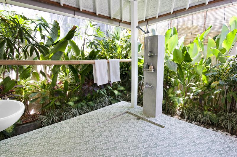 Bathroom with Shower - Villa Hari - Seminyak, Bali