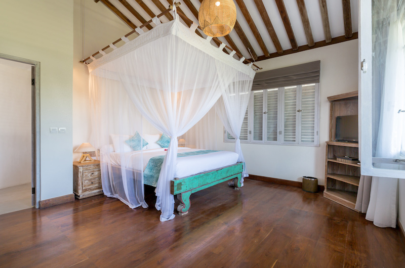Bedroom with Mosquito Net - Villa Hasian - Jimbaran, Bali