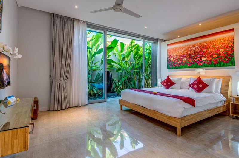 Spacious Bedroom with TV - Villa Indah Aramanis - Seminyak, Bali