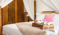 Four Poster Bed with Breakfast - Villa Indrani - Canggu, Bali