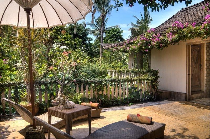 Sun Beds - Villa Istimewa - Seminyak, Bali