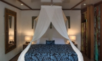 Bedroom with Mirror - Villa Istimewa - Seminyak, Bali