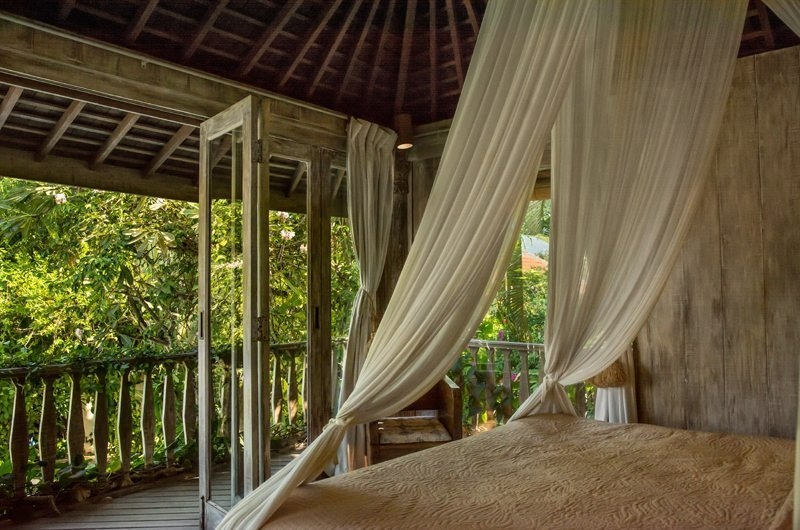 Bedroom and Balcony - Villa Istimewa - Seminyak, Bali